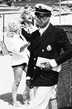 """Tony Curtis, Marilyn Monroe and Jack Lemmon during the filming of """"Some Like It Hot"""""""