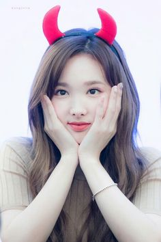 Omg, Devil Nayeon is so cute😍♡♡♡ . >> Swipe left for more pics << . Cr to heartlipped, first rabbit, etc 👉 Kpop Girl Groups, Korean Girl Groups, Kpop Girls, Jihyo Twice, Nayeon Twice, Twice Once, Twice Kpop, Minatozaki Sana, Im Nayeon