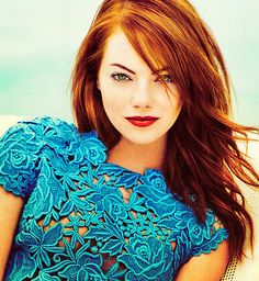 Emma Stone stunning in tourquoise