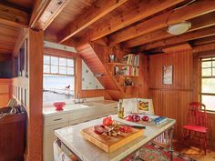 Snapshots of Island Life - Old-House Online Building A Dock, Burlington House, House Journal, Cabin Kitchens, Rustic Room, Beach Cottages, Island Life, Coastal Decor, Second Floor