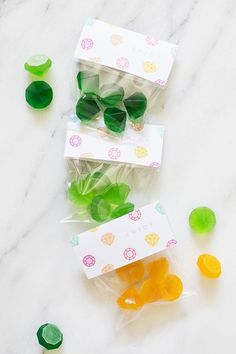Give your guests some edible bling with Lovely Indeed's gemstone gummies! Click through to get the recipe plus an accompanying FREE printable favor bag label.