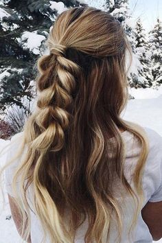 You will get here 20 amazing pony hairstyles. It will certainly give you some idea to set your hair in this summer. Find the best Pony Hairstyles for you. Side Braid Hairstyles, My Hairstyle, Pretty Hairstyles, Winter Hairstyles, Wedding Hairstyles, Quinceanera Hairstyles, Hair Day, Wavy Hair, Ombre Hair