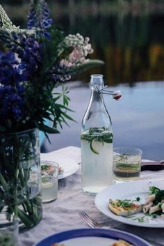 A magical gathering at the lake in Sweden surrounded by the woods - Our Food Stories Summer Hygge, Red Birthday Party, Outdoor Parties, Garden Parties, Summer Photography, Food Photography, Rustic Outdoor, Outdoor Dining, Al Fresco Dining