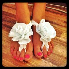 Anklet (foot thong) with felt roses for a barefoot beach wedding by BEADinSPACE