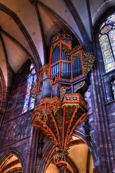 France is some of the earliest pioneers in many architectural styles, and also containing some of the best and the most beautiful architectural creations of the continent.