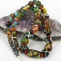 SKJ ancient bead art great photos and descriptions of old and ancient glass beads !!!