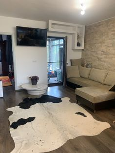 Home Interior Design, Couch, Table, Furniture, Home Decor, Settee, Decoration Home, Sofa, Room Decor