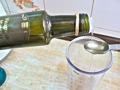 Les bienfaits d'une cuillerée de vinaigre de cidre (ou vinaigre de pomme) dans un verre d'eau.