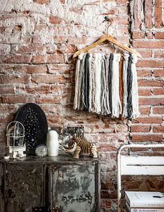 kledinghanger wand interieur styling
