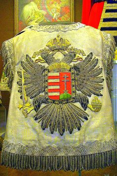 Hungarian Herald's Tabard - ujjatlan kabat Hungary Holy Roman Empire, Abstract Sculpture, Coat Of Arms, Lorraine, Crowns, Eagles, Folk Art, Design Inspiration, Culture