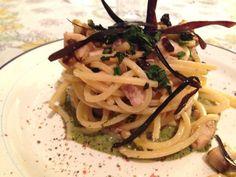 Spaghetti alla chitarra con pesce spada e melanzane, su battuto di menta con pistacchio di bronte