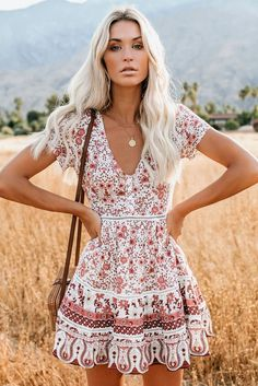Boho V Neck Short Sleeve Floral Dress, Shop for cheap Boho V Neck Short Sleeve Floral Dress online? Buy at Modeshe.com on sale! Summer Outfit For Teen Girls, Summer Outfits Women, Outfits For Teens, Trendy Outfits, Ruffle Skirt, Dress Skirt, Chiffon Skirt, Skirt Suit, Casual Chic