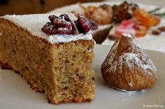 χριστουγεννιάτικο κέικ Greek Sweets, Greek Desserts, Greek Recipes, Desert Recipes, Christmas Cooking, Christmas Desserts, Food Network Recipes, Food Processor Recipes, Greek Cake