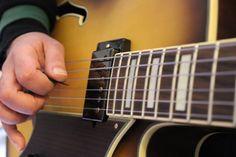 Rettifica tasti chitarra semiacustica, montaggio Pickup PAF Benedetto Jazz Pickup, montaggio meccaniche autobloccanti Sperzel Tuners Gold, setup generale dello strumento.  #bedinicustomguitars #Ferrara   Seguimi sulla mia pagina Facebook: www.facebook.com/BediniCustomGuitars
