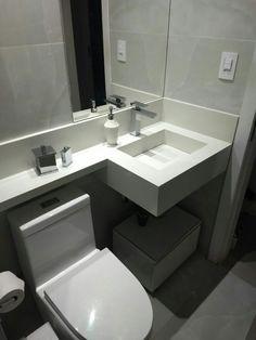 Small Bathroom Plans, Small Bathroom Storage, Bathroom Design Small, Modern Home Interior Design, Home Room Design, Toilet Tiles, Home Entrance Decor, Small Toilet, Basement Makeover