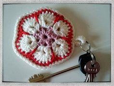 african flower keychain (the keychain is double sided - see http://pinterest.com/pin/222154194090936156/)