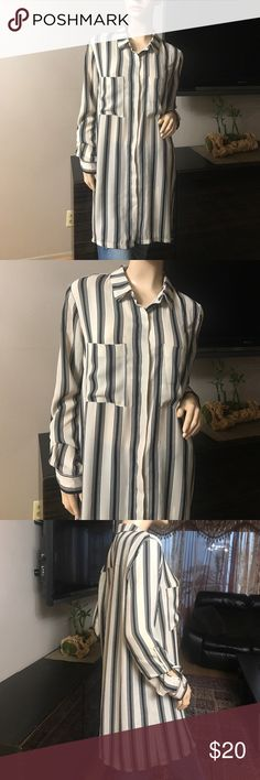 NWOT LONG STRIPED TOP W ROLL UP SLEEVES Button down long top with roll up sleeves and two pockets, perfect with some leggings. 100% Polyester Timing Tops Button Down Shirts