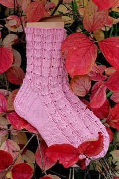 Tässä ensimmäiset sukat Heinälatoon vietäviksi.      lanka Viking Ville  puikot 3 mm  koko 37-38   Otin sukkakuvan Mantsurian onnenpensaan k... Crochet Socks, Knitting Socks, Knit Crochet, Boot Toppers, Wool Socks, Knitting Accessories, Drops Design, Mittens, Ravelry
