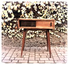 Szafka z lat 60/70., ciekawy design. Furniture Projects, Vintage Furniture, Poland, 1960s, Mid Century, Retro, Art, Design, Home Decor