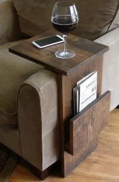 Sofa Chair Arm Rest TV Tray Table Stand with Side Storage Slot for Tablet Magazine I want one! Sofa Chair Arm Rest TV Tray Table Stand with Side Storage Slot for Tablet Magazine Woodworking Projects Diy, Teds Woodworking, Pallet Projects, Small Wood Projects, Popular Woodworking, Woodworking Articles, Woodworking Quotes, Woodworking Skills, Diy House Projects