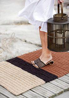 Parvekematto virkaten Beige Carpet, Diy Carpet, Painting Carpet, Bedroom Carpet, Cozy Bedroom, Rug Hooking, Carpet Runner, Handicraft, Knit Crochet