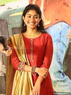 Sai Pallavi Beautiful HD Photoshoot Stills South Actress, South Indian Actress, Beautiful Indian Actress, Cute Celebrities, Celebs, Sai Pallavi Hd Images, Salwar Designs, Cute Actors, Indian Beauty Saree