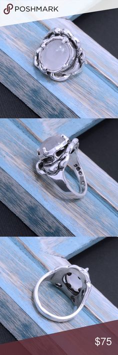 """950 Sterling Silver & Chalcedony Ring Weighs 8.7 grams. Top Dimension: 20mm x 20mm. Stamped """"950"""". Higher Sterling finess than 925 This is not a stock photo. The image is of the actual article that is being sold. Sterling silver is an alloy of silver containing 92.5% by mass of silver and 7.5% by mass of other mThe sterling silver standard has a minimum millesimal fineness of 925. The fitness on this ring is 950. All my jewelry is solid sterling silver. I do not plate. crafted in Taxco…"""