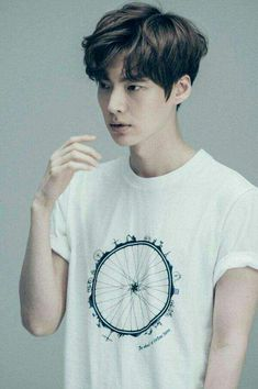 Ahn Jae Hyun // Cinderella & Four Knights Ahn Jae Hyun, Asian Men Hairstyle, My Hairstyle, Men's Hairstyles, Hair A, New Hair, Pelo Ulzzang, Medium Hair Styles, Curly Hair Styles