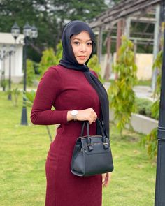 Romeo Rome Casual Hijab Outfit, Hijab Chic, Beautiful Muslim Women, Beautiful Hijab, Hijabi Girl, Girl Hijab, Muslim Women Fashion, Womens Fashion, Hey Girl