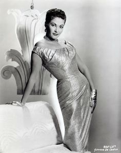 Memes for Men - Yvonne DeCarlo Old Hollywood Actresses, Hollywood Icons, Old Hollywood Glamour, Hollywood Fashion, Vintage Hollywood, Hollywood Stars, Classic Hollywood, Yvonne De Carlo, Marylin Monroe