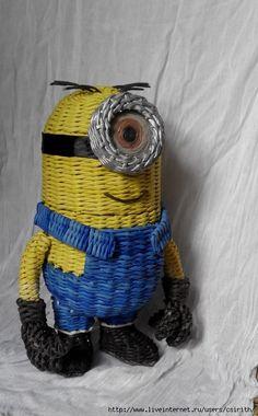 Всем привет! Хочу представить вам мое новое творение - МИНЬОН КАРЛ плетеный!!! Пока плела миньона, фотографировала некоторые моменты плетения. Может кому…