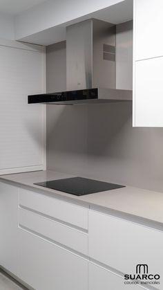 Cocinas Suarco - Shoe Tutorial and Ideas Kitchen Room Design, Modern Kitchen Design, Living Room Kitchen, Home Decor Kitchen, Interior Design Kitchen, Cuisines Design, Apartment Kitchen, Minimalist Home, Kitchen Remodel