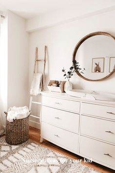 baby room ideas 776659898228391150 - Gender Neutral Nursery Gender Neutral Nursery Hannah Cole cwelchcole home decor Keep it light and cheerful in Kendall Kremer&;s gender neutral nursery. […] Nursery Source by Baby Room Boy, Baby Room Decor, Nursery Room, Bedroom Decor, Bedroom Ideas, Elephant Nursery, Bed Room, Baby Baby, Giraffe