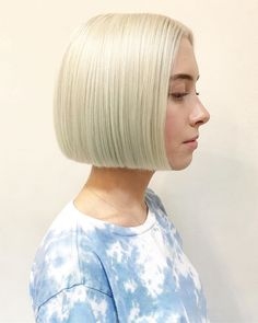 23 Perfect Short Bob Haircuts and Hairstyles Short Hair Undercut, Undercut Hairstyles, Short Bob Hairstyles, Pretty Hairstyles, Short Bob Cuts, Short Hair Cuts, Short Hair Styles, Short Bobs, Bob Haircut For Girls