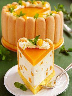 Charlotte abricots et fromage blanc - Recetas Köstliche Desserts, Delicious Desserts, Dessert Recipes, Yummy Food, Bolo Charlotte, Charlotte Dessert, Pumpkin Cheesecake Recipes, Chocolate Recipes, Sweet Recipes