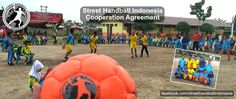 Cooperation Agreement, Street Handball Indonesia. Street Handball International is pleased to announce that we have made a new cooperation agreement with Street Handball Indonesia and Hary who do a lot for increasing handball in Indonesia. We wish them the best of luck to implement Street Handball in Indonesia. Check out for more click the picture ;)
