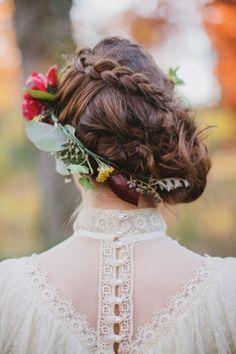 New trend alert, bridal flowers in hair! Romantic Hairstyles, Braided Hairstyles, Wedding Hairstyles, Cool Hairstyles, Flower Hairstyles, Braided Updo, Easy Hairstyle, Bridal Hairstyle, Hair Updo