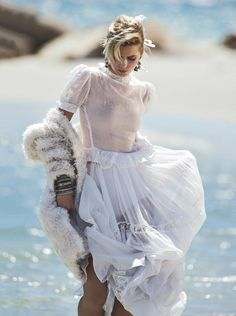 Abbey Lee Kershaw in a Stella McCartney coat and vintage dress photographed by Gilles Bensimon for Vogue Australia, April Abbey Lee Kershaw, Bohemian Mode, Bohemian Style, Boho Chic, Vogue Australia, Stella Mccartney Coat, Mode Editorials, Fashion Editorials, Foto Fashion
