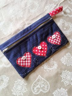 Denim Bag Patterns, Bag Patterns To Sew, Diy Bag Designs, Blue Jean Purses, Crochet Case, Sewing Jeans, Hand Embroidery Videos, Zipper Pouch Tutorial, Diy Bags Purses
