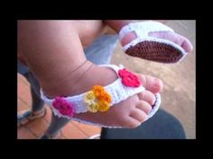 Sandalias para bebe tejidas a crochet - YouTube