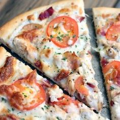 "Garlic-Ranch Chicken Pizza This is SOOO good. Jason said it's the ""best pizza I ever made!"" (Instead of his usual, ""YUCK, I don't like homemade pizza! Food Dishes, Main Dishes, Food Food, Cooking Recipes, Healthy Recipes, Easy Recipes, Healthy Food, Stromboli, Calzone"
