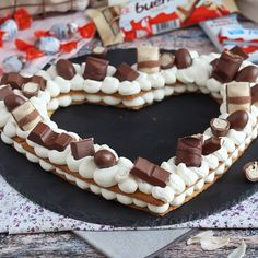 This heart cake is perfect to share on Valentine's day ! - Recipe : Heart cake Kinder by PetitChef_Official Number Birthday Cakes, Number Cakes, Alphabet Cake, Cake Recipes, Dessert Recipes, Heart Cakes, Salty Cake, Eclair, Buttercream Cake