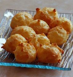 Gougères au fromage - Easy Tutorial and Ideas Tapas, Cooking Chef, Cooking Time, Snack Recipes, Cooking Recipes, Snacks, Mousse Au Chocolat Torte, Vol Au Vent, Food Wishes