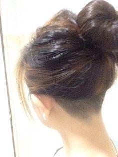 Картинки по запросу nape undercut hairstyle women
