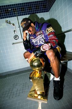 Legendary photographer Andrew D. Bernstein stunningly documented every step of Kobe Bryant's unbelievable NBA career.Andy Bernstein Captured All the Iconic Moments from Kobe Bryant's NBA Journey Kobe Bryant Michael Jordan, Michael Jordan Basketball, Michael Jordan Art, Kobe Bryant Family, Lakers Kobe Bryant, Kobe Bryant And Wife, Nba Basketball, Basketball Bedroom, Basketball Posters