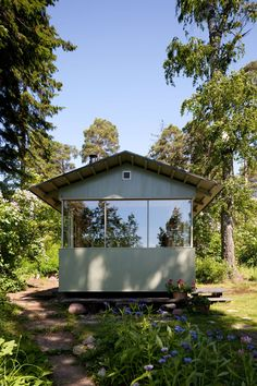It is well-known that Finns love to spend time in a cottage and amidst nature. So much so, that spending time in a cottage is possible even in the centre of ...
