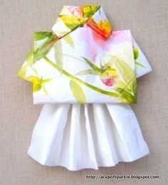 Ready to the bring the fun, enjoyment and sun of the tropical Hawaiin Islands to your table? Hula girl napkin folding is simple and really . Adult Luau Party, Aloha Party, Hawaiian Luau Party, Tiki Party, 50 Party, Tropical Party, Toilet Paper Origami, Towel Girl, Hawaiian Party Decorations