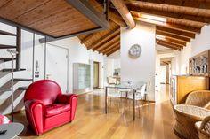 Dai un'occhiata a questo fantastico annuncio su Airbnb: A Gem in Peschiera del Garda - Appartamenti in affitto a Peschiera del Garda