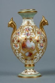 Coalport Porcelana Vaso com projeto 'Ágata'.  c.1895.  Flores pintadas por Robert Mason.  por leta