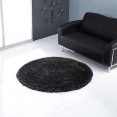 Balotelli Black Grey Circle Rug By Ultimate Rug - Black can attract anyone towards it. On the top when it is Balotelli Black Circle Rug offered by Ul - Black Rug, Black And Grey, Home Decor Accessories, Decorative Accessories, Bedroom Decor, Teen Bedroom, Bedroom Ideas, Circle Rug, Berber Carpet